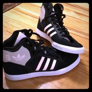 Hip hop/casual Adidas sneakers